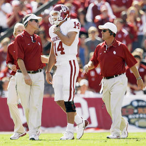 Photo - Sam Bradford aggravated the same injury Saturday against Texas. Photo by Nate Billings, The Oklahoman