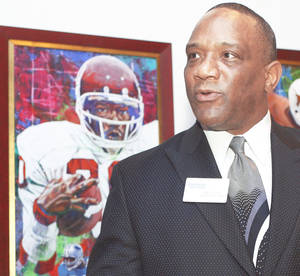 photo - Heisman Trophy winner Billy Sims says he will never quit saying, &amp;quot;Boomer.&amp;#8221; AP photo