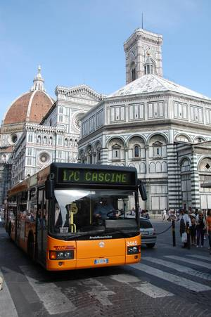 photo - Using landmarks, such as Florence's Duomo, can help you gauge where to get off the bus. (Photo by Cameron Hewitt)
