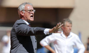 Photo - Coach of Monaco Claudio Ranieri of Italy gestures during the French League One soccer match against Lorient, in Monaco stadium, Sunday, Sept. 15, 2013. (AP Photo/Lionel Cironneau)