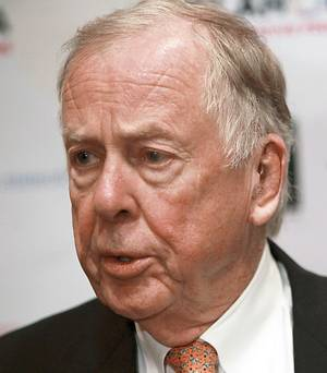 Photo - Boone Pickens speaks to the media during the Creativity World Forum at the Cox Convention Center in downtown Oklahoma City on Tuesday, Nov. 16, 2010. Photo by John Clanton, The Oklahoman ORG XMIT: KOD