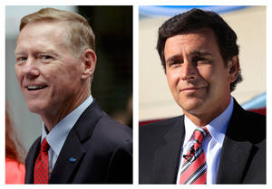 Photo -   This combination of Associated Press file photos show Ford Motor Co. President and CEO Alan Mulally, at left, on Sept. 18, 2012 in New York, and Mark Fields, right, Ford president of the Americas, Monday, Sept. 10, 2012, in Flat Rock, Mich. Longtime Ford executive Mark Fields was named chief operating officer of the company on Thursday, Nov. 1, 2012, putting him in line to replace CEO Alan Mulally as soon as 2015. (AP Photo/File)