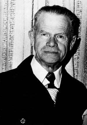"""Photo - FILE - This March 1977 file photo shows Harold McCluskey in Kennewick, Wash. In 1976, an explosion in a room at the Hanford Nuclear Reservation exposed him to a massive dose of radiation, leading to his nickname as the """"Atomic Man."""" McCluskey lived for 11 more years and died of causes not related to the accident. In 2014, preparations are underway for a September 2016 demolition of the plant. (AP Photo)"""