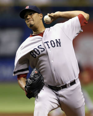 Photo -   Boston Red Sox starting pitcher Felix Doubront delivers to the Tampa Bay Rays during the first inning of a baseball game, Tuesday, Sept. 18, 2012, in St. Petersburg, Fla. (AP Photo/Chris O'Meara)