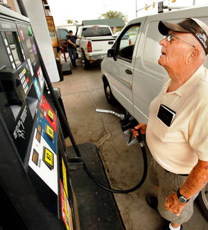 Photo - The price of fuel on Thursday, Oct. 4, 2012 in Norman, Okla.  Photo by Steve Sisney, The Oklahoman