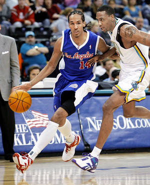 Photo - Former Clipper Shaun Livingston, left, has joined the Tulsa 66ers of the NBA Development League. AP photo