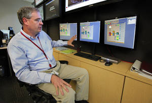 photo - David Andra is the meteorologist in charge of the National Weather Service, Norman Forecast Office.  <strong>STEVE SISNEY - THE OKLAHOMAN</strong>