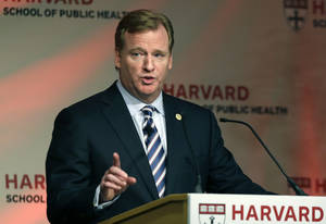 photo -   NFL football commissioner Roger Goodell delivers a Dean's Distinguished Lecture at Harvard School of Public Health in Boston, Thursday, Nov. 15, 2012, where he discussed some of the rules that have been created to limit concussions in the game of football. Goodell said the league will do what it needs to do to protect the safety of its 1,800 players. (AP Photo/Elise Amendola)