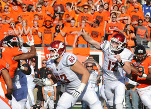 Photo -   Washington State quarterback Connor Halliday (12) throws against Oregon State during the first half of an NCAA college football game in Corvallis, Ore., Saturday, Oct. 6, 2012. (AP Photo/Greg Wahl-Stephens)
