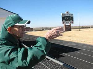 Photo - Kenneth Roof, 87, was an All-State running back at Thomas in 1942. <strong>Photo by Ed Godfrey, The Oklahoman</strong>