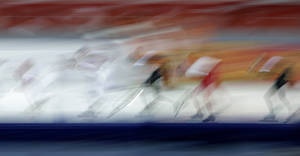 Photo - Sven Kramer of the Netherlands, center, practices at the Adler Arena Skating Center at the 2014 Winter Olympics, Friday, Feb. 14, 2014, in Sochi, Russia. (AP Photo/Matt Dunham)
