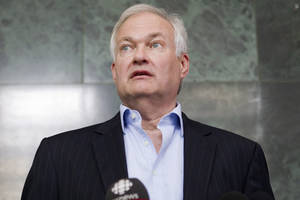 Photo -   Donald Fehr, executive director of the NHL Players' Association, speaks to reporters following collective bargaining talks between the NHLPA and the NHL in Toronto on Wednesday, Aug. 15, 2012. (AP Photo/The Canadian Press, Chris Young)