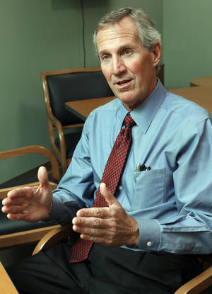 photo - Dr. David A. Porter, of Norman Regional HealthPlex, talks about what it's like to get a hysterectomy.  Photo by Steve Sisney, The Oklahoman