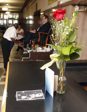 Photo - A small memorial Monday at the Oklahoma County Courthouse in Oklahoma City remembers longtime employee Mary Lou Starke. Photo by Paul Hellstern, The Oklahoman <strong>PAUL HELLSTERN</strong>
