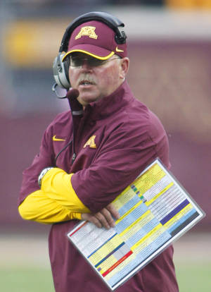 photo -   Minnesota head coach Jerry Kill looks on during the first half of an NCAA college football game against Northwestern in Minneapolis, Saturday, Oct. 13, 2012. Northwestern defeated Minnesota 21-13.(AP Photo/Andy King)