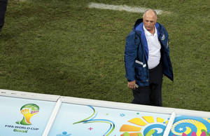Photo - Brazil's coach Luiz Felipe Scolari directs his team during the group A World Cup soccer match between Brazil and Croatia, the opening game of the tournament, in the Itaquerao Stadium in Sao Paulo, Brazil, Thursday, June 12, 2014.  (AP Photo/Shuji Kajiyama)
