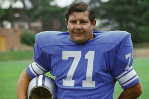 photo -   FILE - This 1971 file photo shows Detroit Lions' Alex Karras. The Detroit Free Press and Detroit News reported Monday, Oct. 8, 2012, that the former All-Pro defensive lineman and actor has kidney failure and has been given only a few days to live. Lions president Tom Lewand says the NFL football franchise is deeply saddened to learn of Karras' condition. (AP Photo/File)