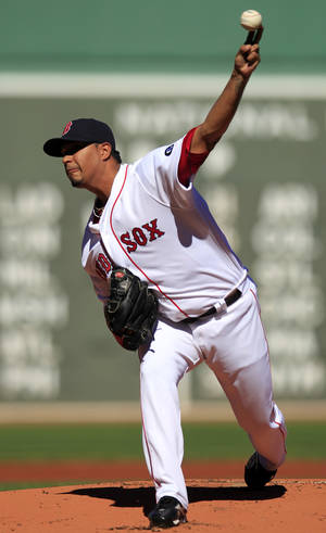 photo -   Boston Red Sox starting pitcher Felix Doubront delivers a pitch against the Baltimore Orioles in the first inning of a baseball game at Fenway Park, in Boston, Sunday, Sept. 23, 2012. (AP Photo/Steven Senne)