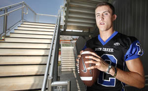 Photo - Deer Creek quarterback Joel Blumenthal. Photo By Steve Gooch, The Oklahoman <strong>Steve Gooch - The Oklahoman</strong>