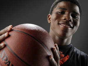 photo - HIGH SCHOOL BASKETBALL: Stephen Clark of Douglass High School, Little All-City boys basketball player of the year, poses for a photo in the OPUBCO studio, Thursday, April 1, 2010. Photo by Nate Billings, The Oklahoman ORG XMIT: KOD