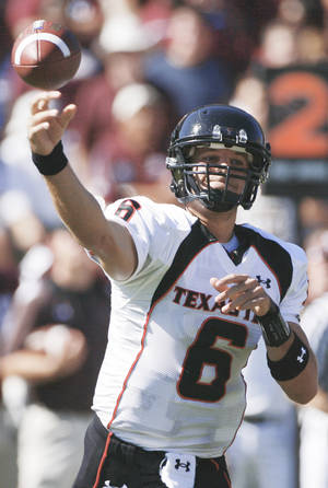 Photo - Texas Tech quarterback Graham Harrell received more support in the Southwest Region, where Tim Tebow received only 184 points.AP photo