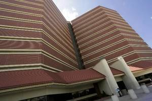 photo - 6/11/04  Oklahoma City,  Oklahoma  County  Jail.  BUILDING EXTERIOR. Staff photo by Doug Hoke. 