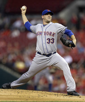 photo -   New York Mets starting pitcher Matt Harvey throws during the first inning of a baseball game against the St. Louis Cardinals on Tuesday, Sept. 4, 2012, in St. Louis. (AP Photo/Jeff Roberson)