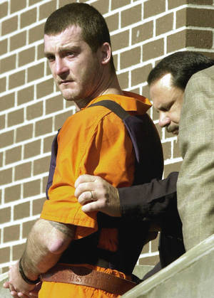 photo - Oklahoma officials are seeking an execution date for Steven Ray Thacker, shown above, after his appeal to the U.S. Supreme Court in the stabbing death of Laci Dawn Hill, of Bixby, was rejected Monday. Thacker was convicted in a three-state crime spree. AP FILE PHOTO