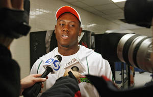 photo - HIGH SCHOOL FOOTBALL, COLLEGE SIGNING DAY, SIGN, RECRUIT: Guthrie High School's Kye Staley talks to the media after he signed his letter of intent to play football for Oklahoma State University (OSU) on Wednesday, Feb. 6, 2008, in Guthrie, Okla.   BY CHRIS LANDSBERGER, THE OKLAHOMAN ORG XMIT: KOD