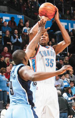 Photo - Kevin Durant and the Thunder play at Utah tonight. Oklahoma City is 3-0 against the Jazz this season.  PHOTO BY NATE BILLINGS, THE OKLAHOMAN