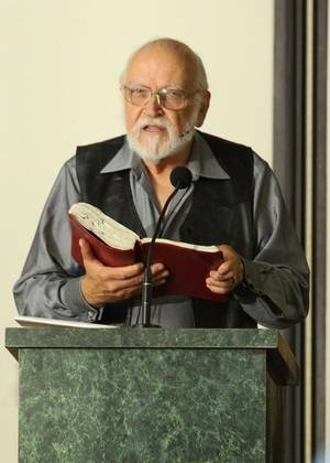 Photo - Calvin Miller, Ph.D., a 1958 Oklahoma Baptist University alum, speaks during the OBU Pastors School in July. Miller died Sunday. Photo provided