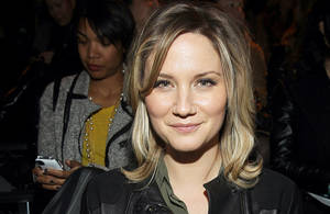 Photo -   FILE - In this Feb. 10, 2012, file photo singer Jennifer Nettles attends the Rag & Bone Fall 2012 show in New York. The Indianapolis Star reported Monday, Aparil 16, 2012, Nettles testified that the country duo Sugarland was never told fair officials had asked to delay the concert because of an approaching storm and that the band probably would have postponed the show if they had been asked. (AP Photo/ Donald Traill, File)