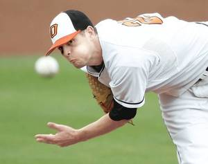 Photo - OSU's Andrew Oliver pitches during Oklahoma State University (OSU) college baseball game against Kansas State in Stillwater, Okla., Friday, May 1, 2009. Photo by Bryan Terry, The Oklahoman
