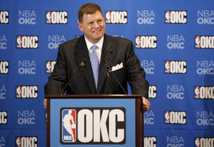 photo - Clay Bennett smiles during a press conference held in Oklahoma City, Wednesday, July 2, 2008, after announcing that the Seattle Sonics will be moving to Oklahoma City. BY BRYAN TERRY, THE OKLAHOMAN