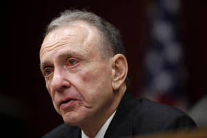 Photo -   FILE - In this Monday, March 29, 2010, file photo, Sen. Arlen Specter, D-Pa., leads a Senate field hearing, in Philadelphia. Former U.S. Sen. Arlen Specter, longtime Senate moderate and architect of one-bullet theory in JFK death, died Sunday, Oct. 14, 2012. He was 82. (AP Photo/Matt Rourke, File)