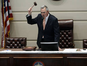 Photo - END OF LEGISLATIVE SESSION: Sen. Brian Bingman, R-Sapulpa closes the Oklahoma Senate during the last day of the legislative session at the state Capitol in Oklahoma City,  Friday, May 25, 2012. Photo by Sarah Phipps, The Oklahoman.