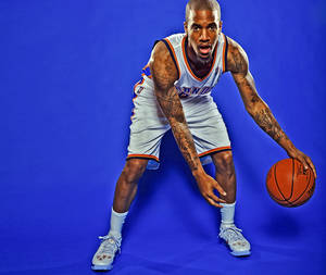 Photo - OKLAHOMA CITY THUNDER NBA BASKETBALL TEAM: Eric Maynor during Thunder Media Day photos on Monday, Oct. 1, 2012, in Oklahoma City, Oklahoma.  Photo by Chris Landsberger, The Oklahoman
