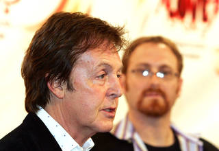 The Beatles lead singer Paul McCartney had quite the tough divorce back in 2008 when he and Heather Mills put their issues to rest.