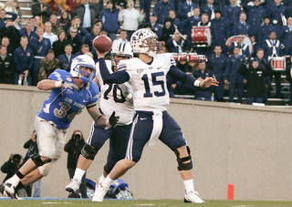 BYU quarterback Max Hall (15) has tried to model his game after former Dallas Cowboys star Danny White, who is Hall's uncle. AP PHOTO