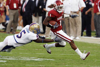 OU cornerback Dominique Franks says that even though he's leaving the Sooners early for the NFL Draft, he plans to come back and get his degree. PHOTO BY STEVE SISNEY, THE OKLAHOMAN