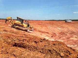 Crews dig a pit that next month will become the centerpiece of a new water recycling facility in Stephens County. Oklahoma City-based Continental Resources Inc. built the facility to reduce its freshwater needs in the South Central Oklahoma Oil Province. PHOTO PROVIDED - photo provided