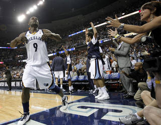 Memphis Grizzlies guard Tony Allen (9) celebrates in the closing seconds of the second half of Game 6 against the San Antonio Spurs during a first-round NBA basketball series on Friday, April 29, 2011, in Memphis, Tenn. The Grizzlies won 99-91 to win the series 4-2. (AP Photo/Mark Humphrey) ORG XMIT: TNMH116
