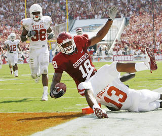 Oklahoma tight end Jermaine Gresham is known for stepping up in big games and clutch situations. Photo by Nate Billings, The Oklahoman