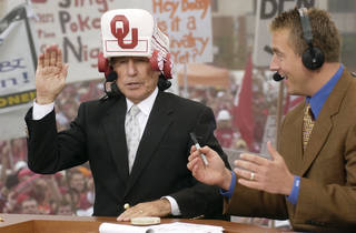 OSU vs OU (UNIVERSITY OF OKLAHOMA, OKLAHOMA STATE UNIVERSITY) Bedlam college football at Gaylord Family - Oklahoma Memorial Stadium, Saturday, Nov 1, 2003 in Norman, Ok. Lee Corso picks Oklahoma to beat the Cowboys of Oklahoma State on the set of ESPN's GameDay. Kirk Herbstreit is at right. Staff photo by Steve Sisney.