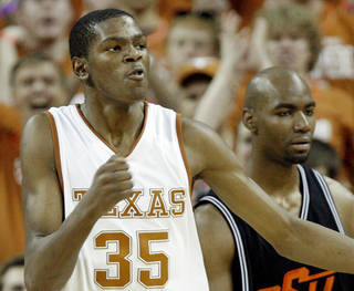 Kevin Durant is returning to the University of Texas for a preseason game Tuesday against San Antonio. PHOTO BY CHRIS LANDSBERGER, THE OKLAHOMAN ARCHIVE
