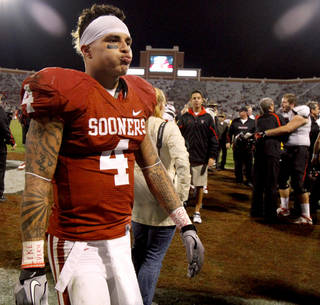 Oklahoma's Kenny Stills (4) walks of the field after the college football game between the University of Oklahoma Sooners (OU) and the Texas Tech University Red Raiders (TTU) at Gaylord Family-Oklahoma Memorial Stadium in Norman, Okla., Sunday, Oct. 23, 2011. OU lost 41-38. Photo by Bryan Terry, The Oklahoman