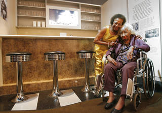 MARILYN HILDRETH, CIVIL RIGHTS LEADER: Clara Luper, seated, poses for a photo with her daughter Marilyn, in the Oklahoma History Center's display of the Katz Drug Store where the sit-in occurred 50 years ago, Tuesday, August, 19, 2008. Photo by David McDaniel, The Oklahoman ORG XMIT: KOD