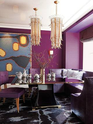 Set for sparking dinner conversations: dining room goes glam with high-gloss finishes and crystal lighting. Photo by Roger Davis