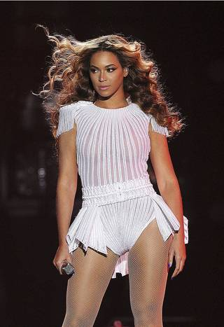 """New dates confirmed for the """"Mrs. Carter Show World Tour"""" starring BEYONCE. Tickets onsale beginning July 1st. (PRNewsFoto/Live Nation Entertainment, Inc., Frank Micelotta) ORG XMIT: PRN10"""