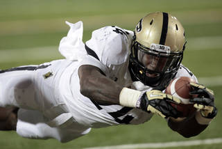 Purdue running back Akeem Shavers, a Texarkana, Texas, product, is returning to his home state to play in the Heart of Dallas Bowl. AP PHOTO